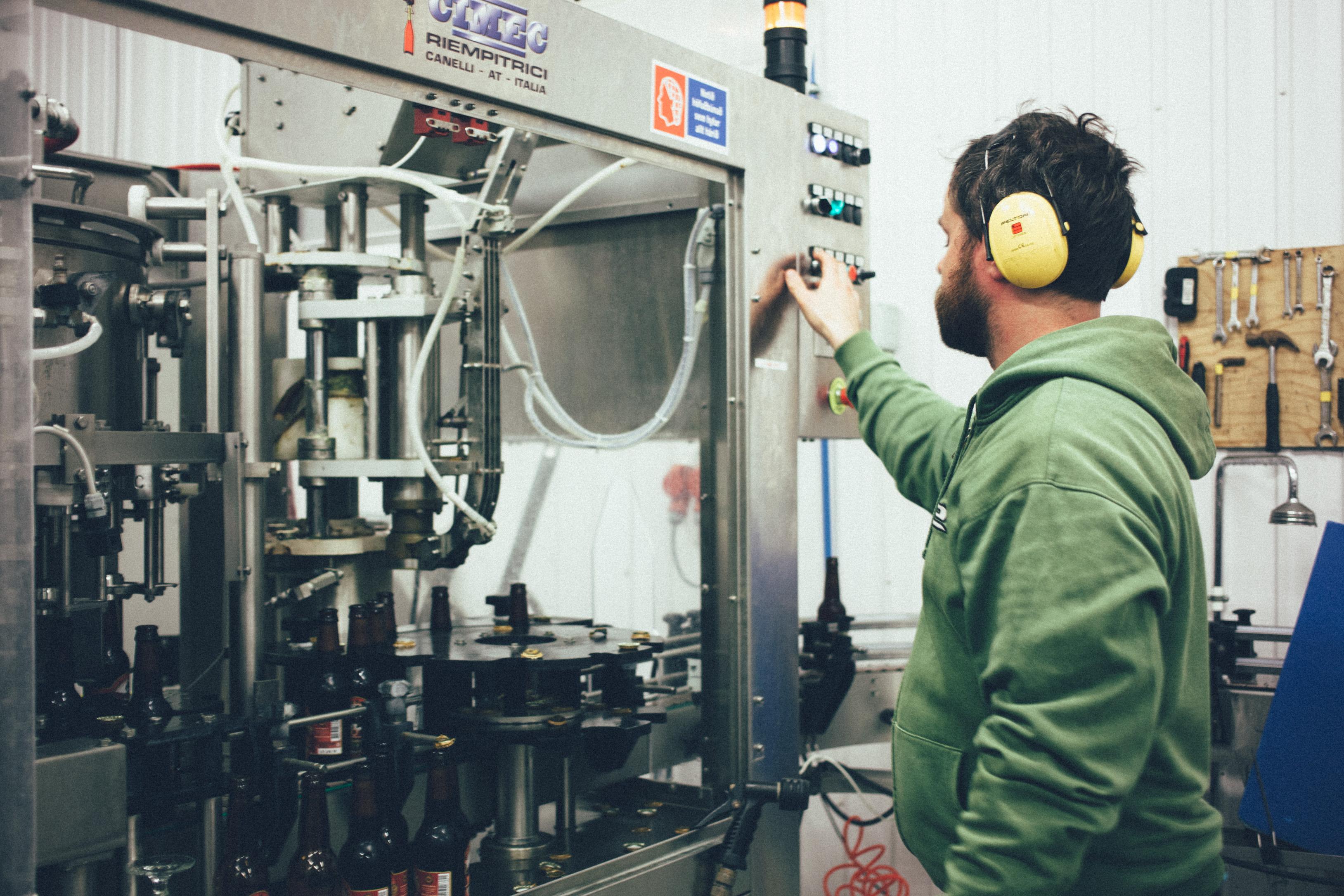 Elvar bottling line, filling bottles of Mori